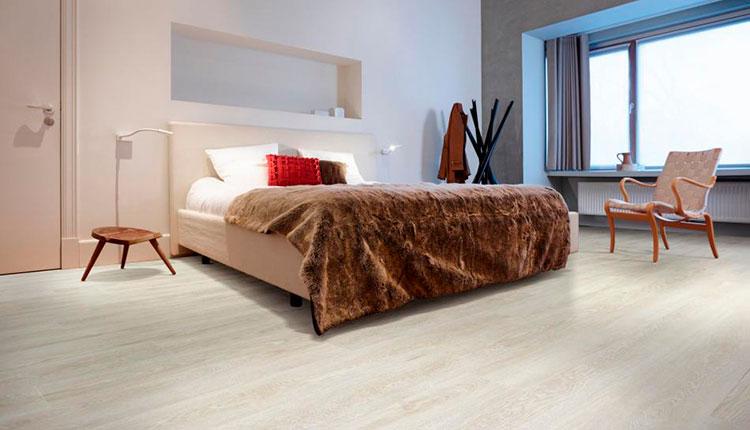 Ламинат moduleo в спальне