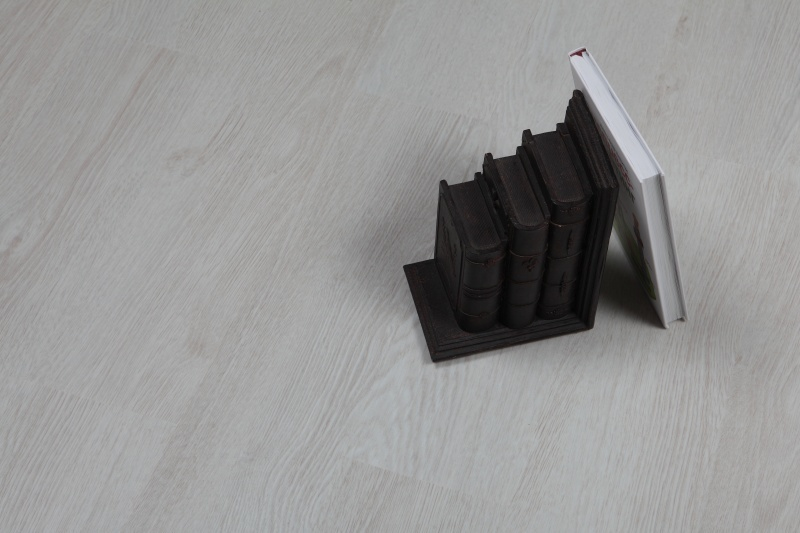 Дизайн плитка ПВХ Forbo - Home Expert Дуб туман (20210)