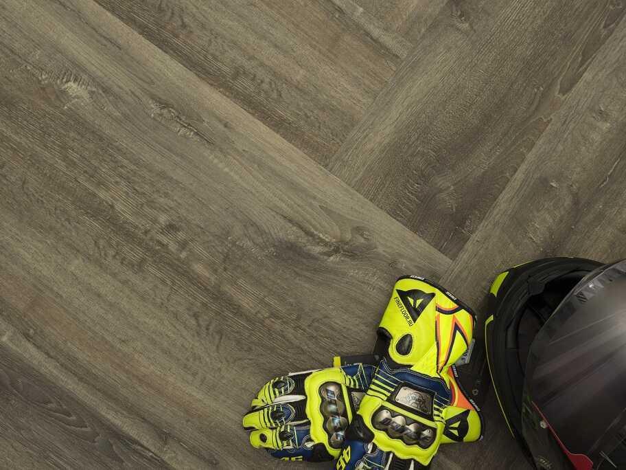 Виниловый ламинат Fine Floor - Gear Дуб Дипхольц (FF-1815)